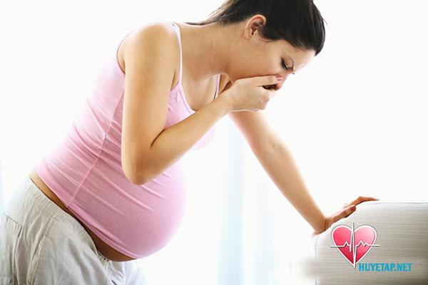Triệu chứng cao huyết áp khi mang thai 1
