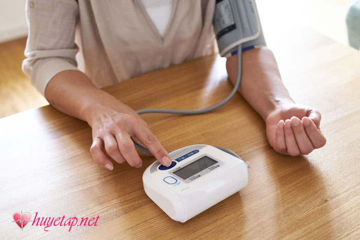 Làm sao để biết mình bị tăng huyết áp? 1