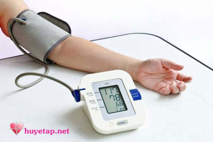 Máy đo huyết áp điện tử 1
