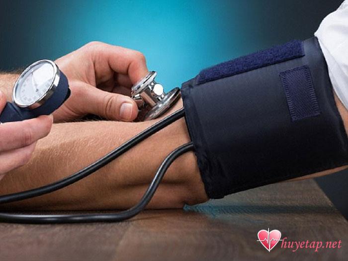 Tầm quan trọng của máy đo huyết áp gia đình. 1